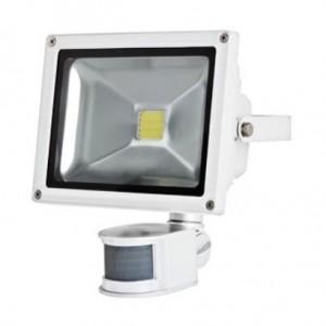 LED-Außenstrahler mit Bewegungsmelder bei mükra electronic